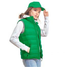 зеленый женский утепленный жилет на синтепухе