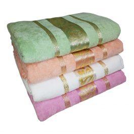 Велюровое полотенце с флористикой