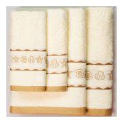 Бежевые полотенца с ракушками всех размеров