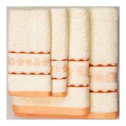 Персиковые полотенца с ракушками всех размеров