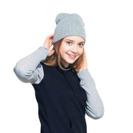 Вязанная шапка без отворота серый меланж
