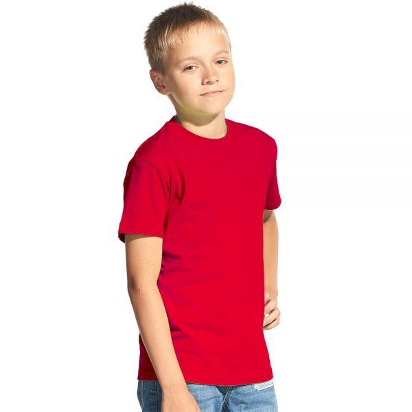 красная подростковая футболка