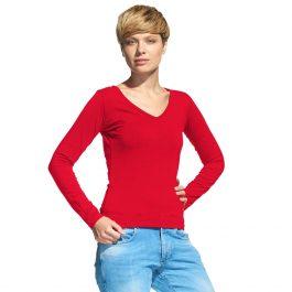 красная женская футболка с длинным рукавом